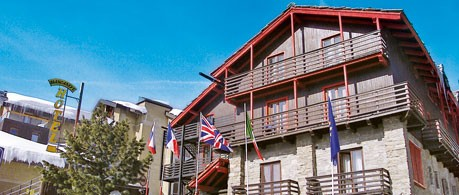 Hotel Biancaneve from £385