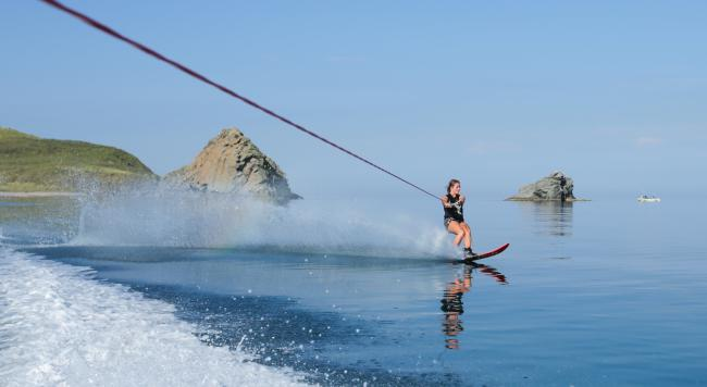 How water skiing and wakeboarding works your muscles