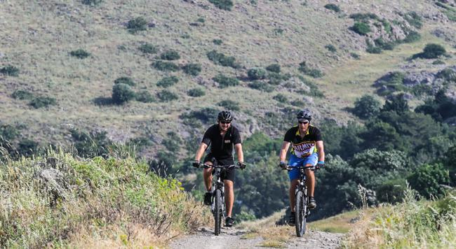 Are you a mountain biker or a roadie?