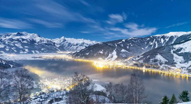 Zell am See by night