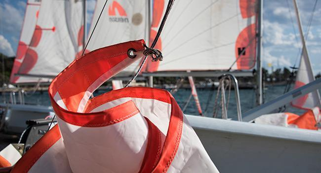 Rigging an asymmetric spinnaker