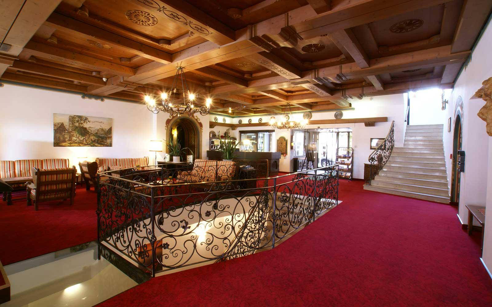 zell am see chat rooms Hotel pinzgauerhof - zell am see  our many rooms combined with the generous communal spaces make the hotel very suitable for small  chat with us  close +43 .