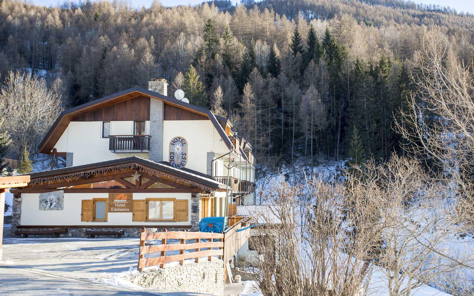Hotel Edelweiss | Cheap Ski Holidays to Hotel Edelweiss, Sauze D\'oulx