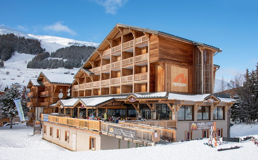 Neilson Hotel Aalborg In Les Deux Alpes France Neilson