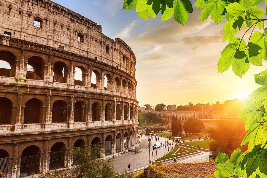 Italian Culture. The Colosseum, Rome