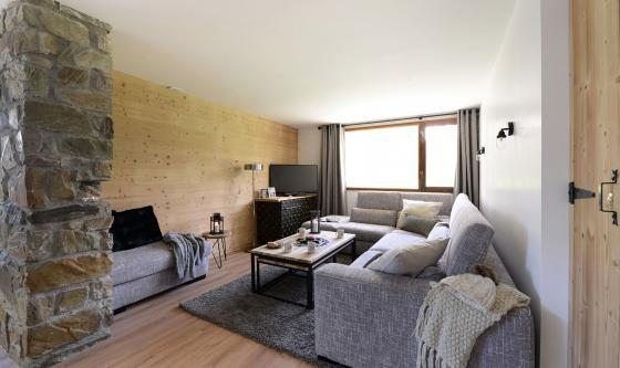 Small and stylish Chalet Val Claret